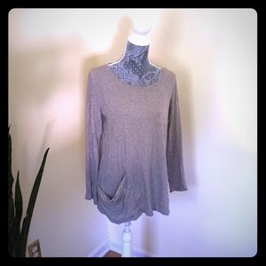 Gray pure jill top with one oversized pocket